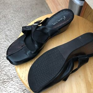 Bear traps leather clogs size 8